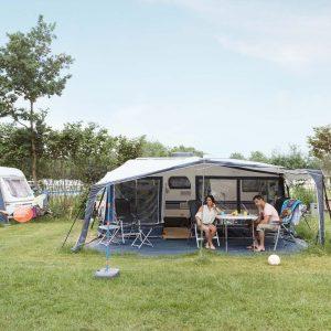 Luxe kampeerplaats in vakantiepark Beekse Bergen